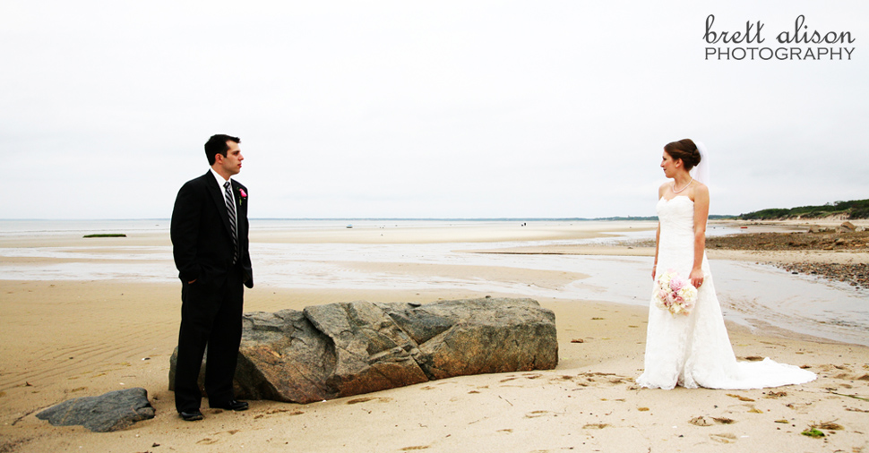 beach wedding photos ocean edge