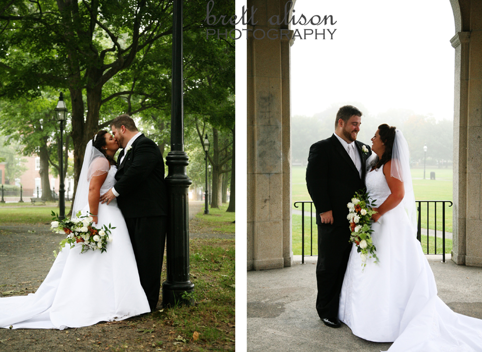 wedding photos salem common masschusetts lamplights