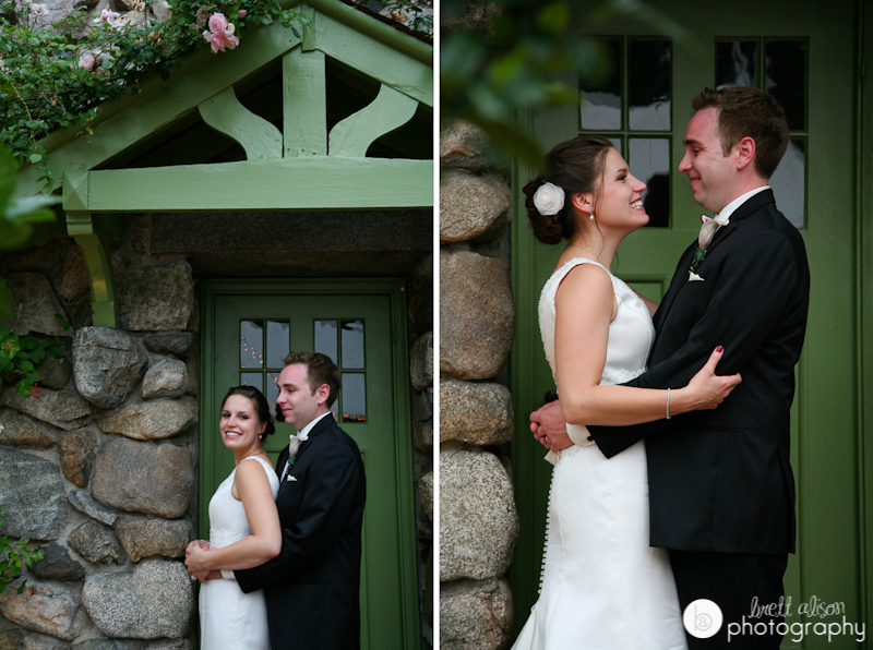 wedding photos outside willowdale