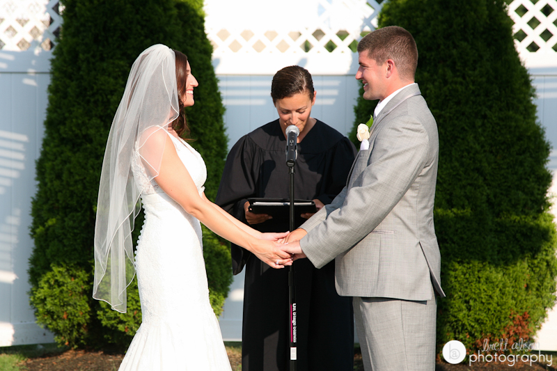 courtyard wedding ceremony black swan cc georgetown