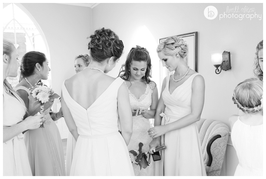 girls getting ready hawthorne hotel wedding salem