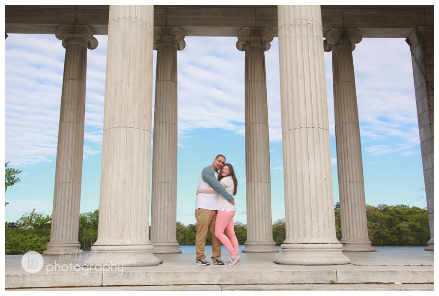 engagement photos roger williams park columns