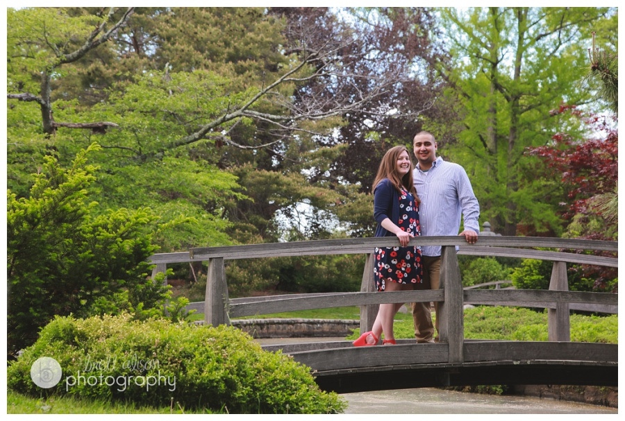 footbridge engagement photos roger williams park