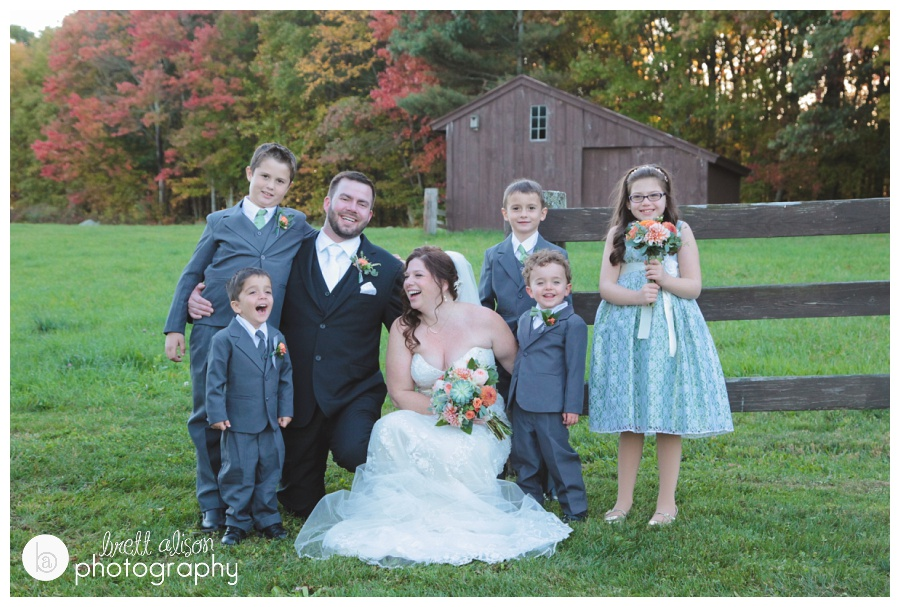 farm wedding photos at zukas hilltop barn